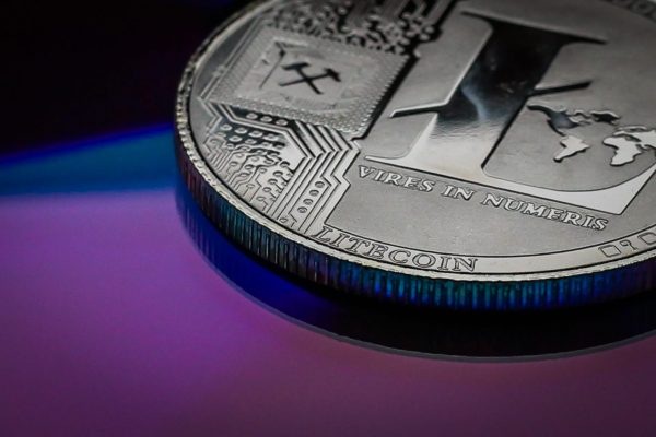 Litecoin-becomes-the-official-cryptocurrency-partner-of-UFC_o