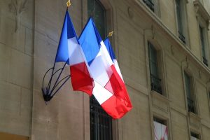 France to guarantee a bank account to crypto businesses